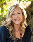 Nicole Baart Headshot