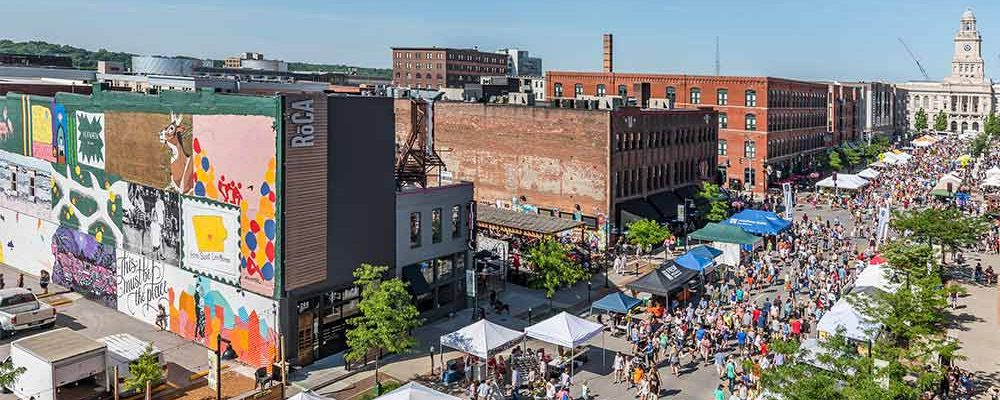 Des Moines Farmers Market in Historic Court District