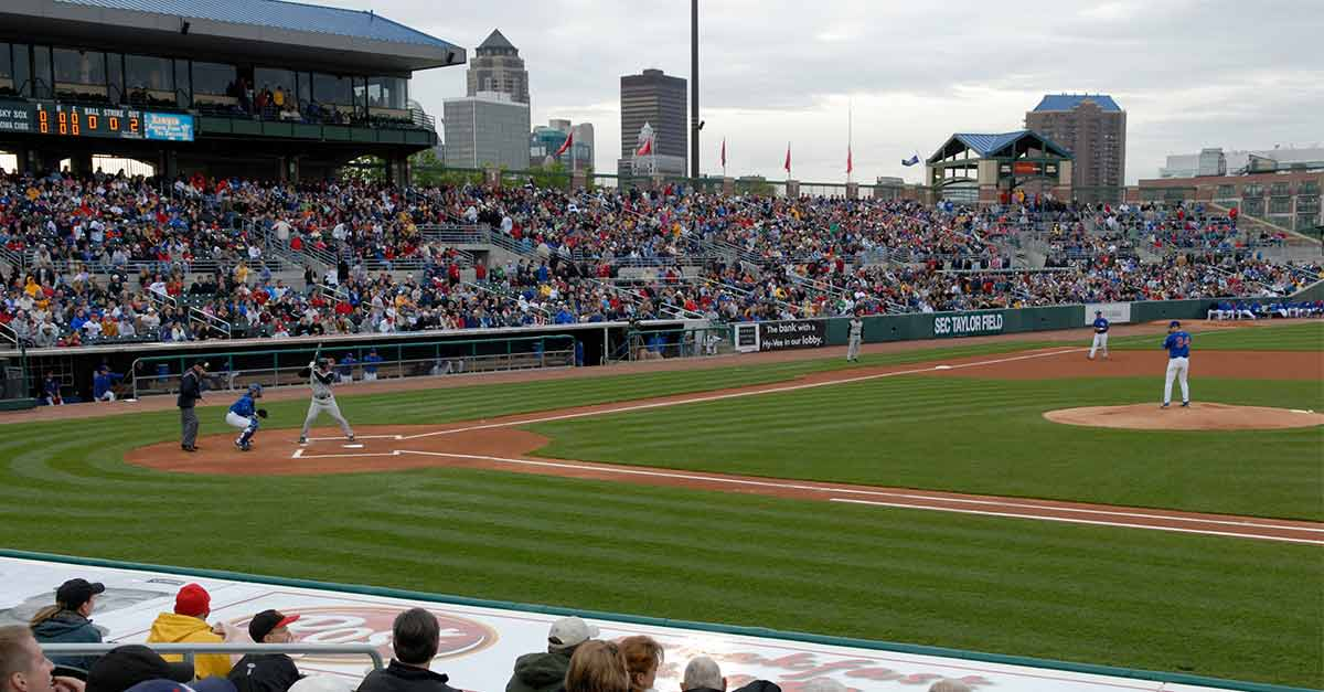 Professional Baseball Des Moines