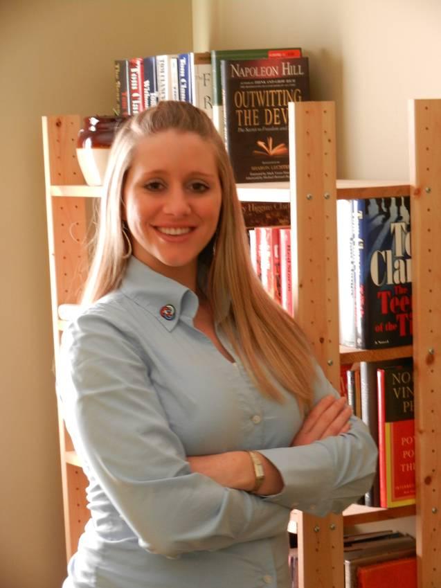 Lindsay Maher Headshot